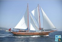 Location de bateau en Turquie : Le bateau qui caractérise la croisière Turquoise est un Caïque en bois de construction traditionnelle, que l'on appelle communément ''Gulet'' (Goélette) ou Ketch.