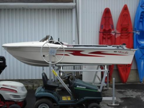 bateau moteur neuf mini thunder 14 pieds 4 3 m tres 2009 bateau location de voilier et. Black Bedroom Furniture Sets. Home Design Ideas