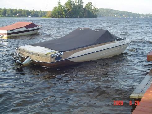 bateau moteur occasion glastron inboard et opendeck 18. Black Bedroom Furniture Sets. Home Design Ideas