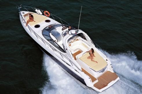 bateau a moteur 10 metres