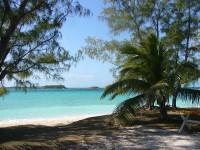 Les eaux turquoises dans les Îles des Bahamas