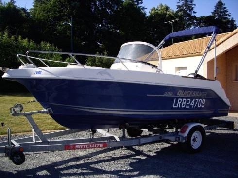 bateau moteur occasion quicksilver commander 550 18 pieds 1 po 5 5 m tres 2000 bateau. Black Bedroom Furniture Sets. Home Design Ideas