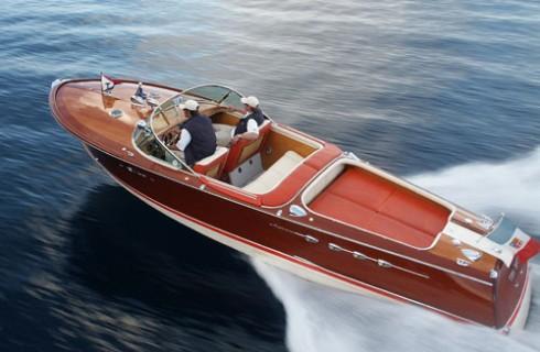 bateau moteur occasion riva aquariva 32 pieds 10 po 10 m tres 2007 bateau location de. Black Bedroom Furniture Sets. Home Design Ideas