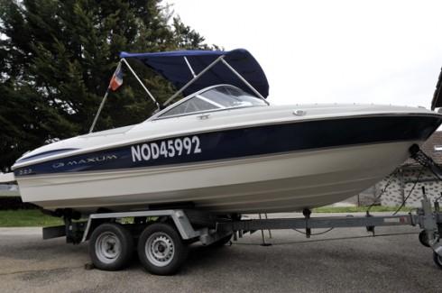 bateau moteur occasion maxum 1800 sr3 20 pieds 6 1 m tres 2007 bateau location de voilier. Black Bedroom Furniture Sets. Home Design Ideas