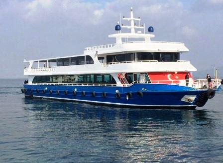 Bateau ferry transport passagers de 42 m année 2017